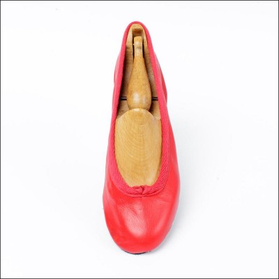 duchess pump red (junior) image 1